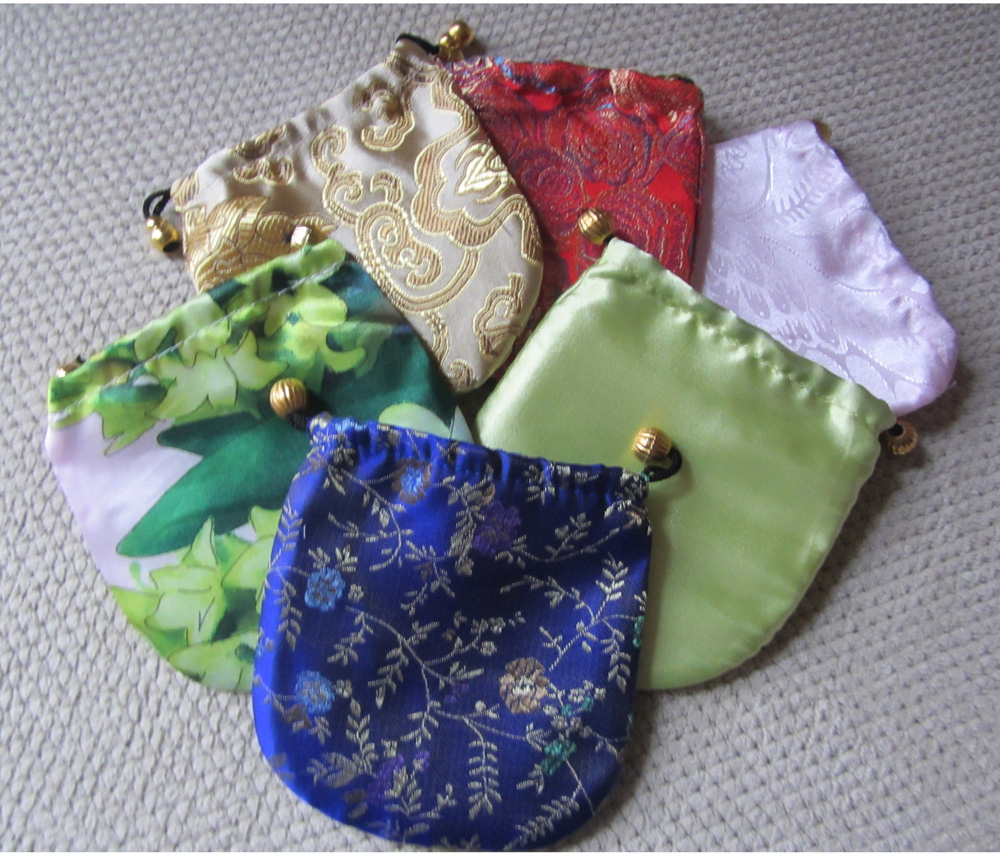octopus_compact_mirror_comes_protective_pouch_makeup_2.JPG