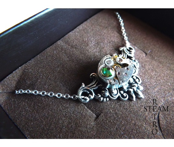 daphne_vitrail_steampunk_necklace_steampunk_jewellery_necklaces_2.jpg