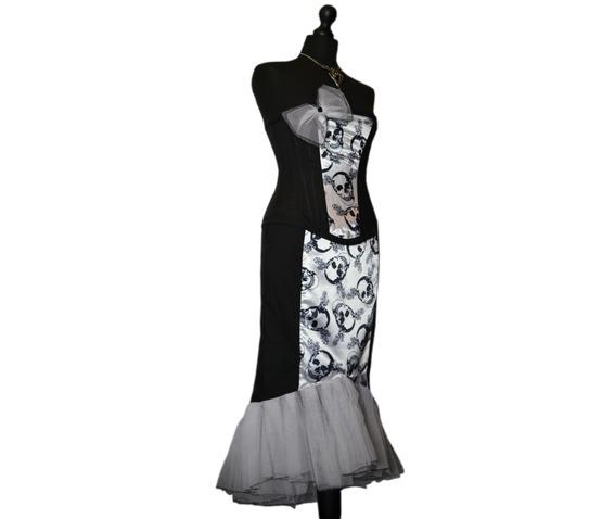 sunning_starlet_spooky_vampire_pin_vintage_style_goth_corset_dress_dresses_6.jpg