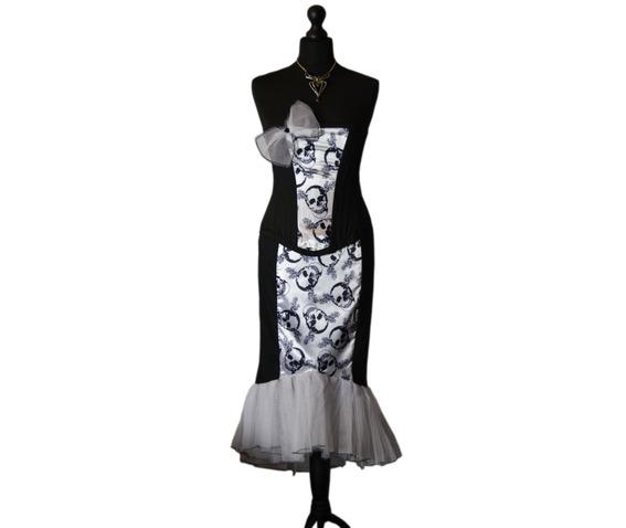 sunning_starlet_spooky_vampire_pin_vintage_style_goth_corset_dress_dresses_4.jpg