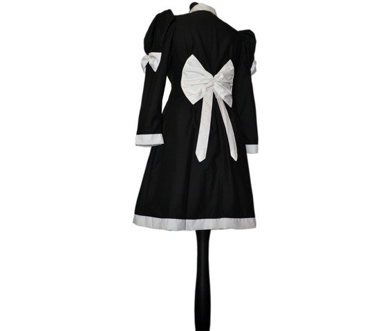 creepy_kooky_gothic_spooky_goth_japanese_lolita_coat_madame_legoth_dresses_4.jpg