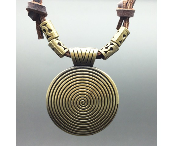 vintage_circular_pattern_pendant_necklace_necklaces_3.PNG