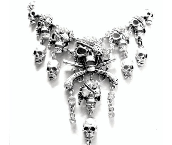 haunting_pirate_skull_silver_metal_necklace_necklaces_2.jpg
