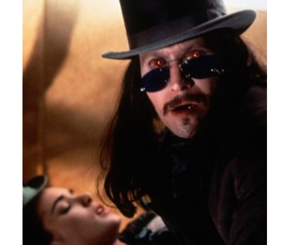 incubus_dracula_contact_lenses_halloween_contact_lenses_makeup_2.jpg