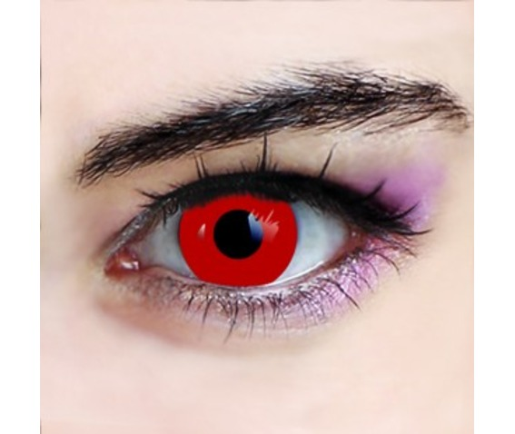 red_vampire_halloween_contact_lenses_makeup_4.jpg
