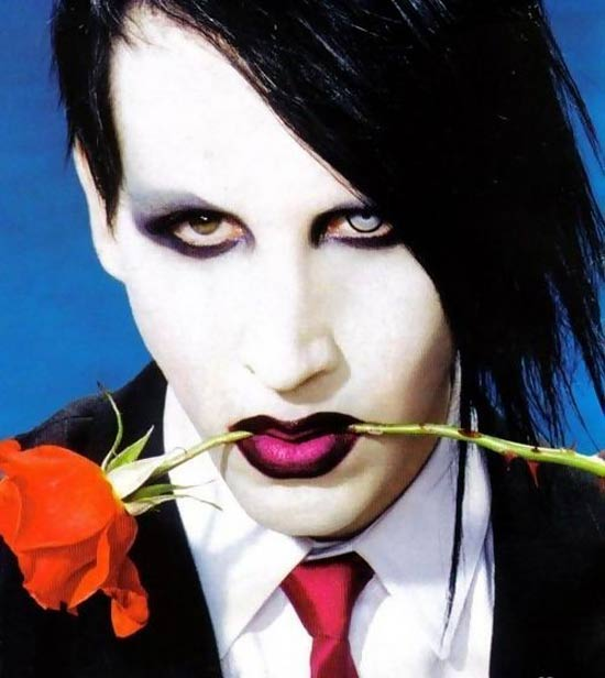 manson_halloween_contact_lenses_costumes_and_masks_4.jpg