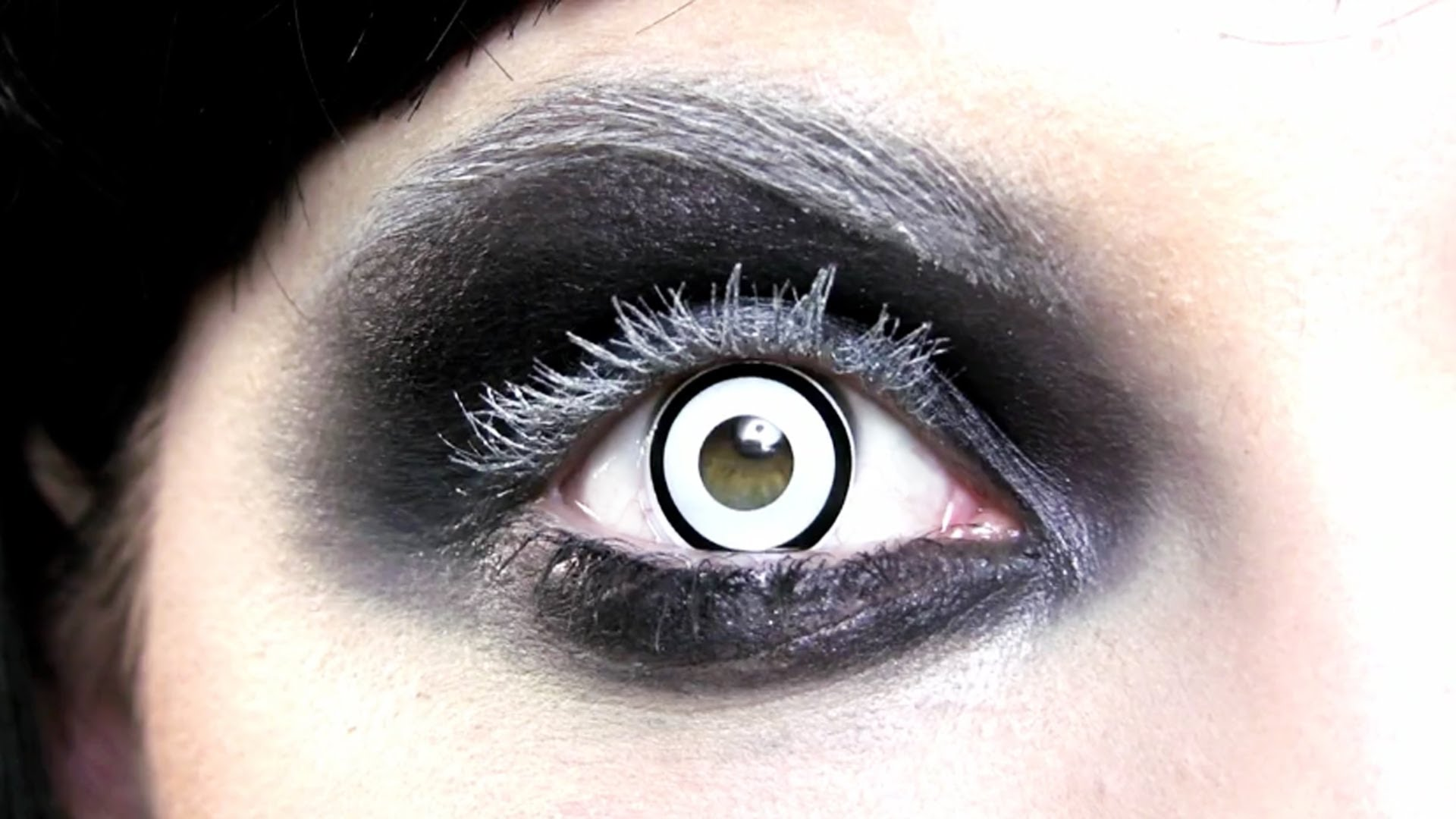 manson_halloween_contact_lenses_costumes_and_masks_2.jpg