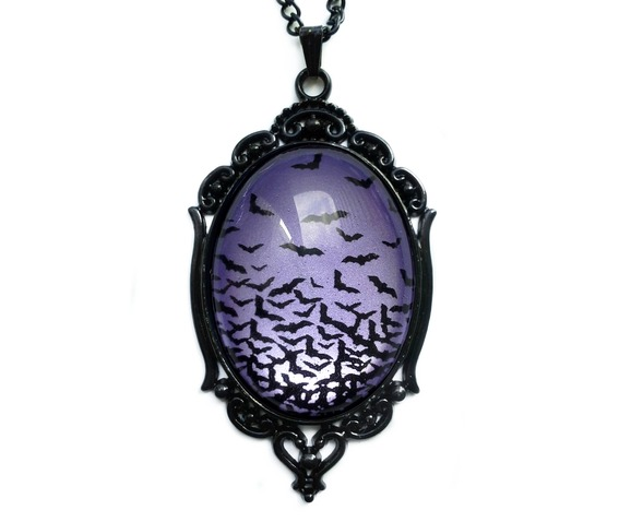 flying_bats_necklace_amethyst_necklaces_3.jpg