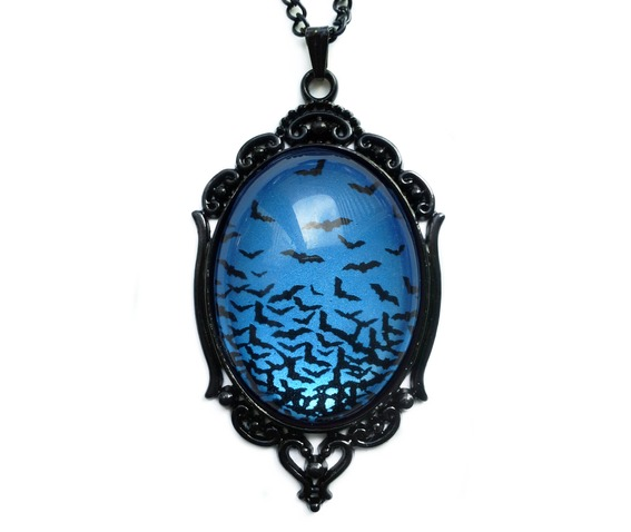 flying_bats_necklace_sapphire_necklaces_3.jpg