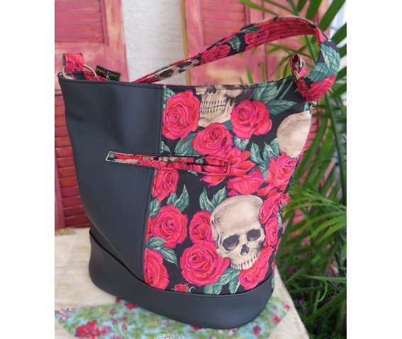 skulls_bed_red_roses_bonnie_bucket_bag_purses_and_handbags_5.jpg
