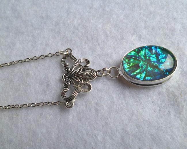 opalescent_glass_necklace_elvish_victorian_wedding_elven_game_thrones_necklaces_3.JPG