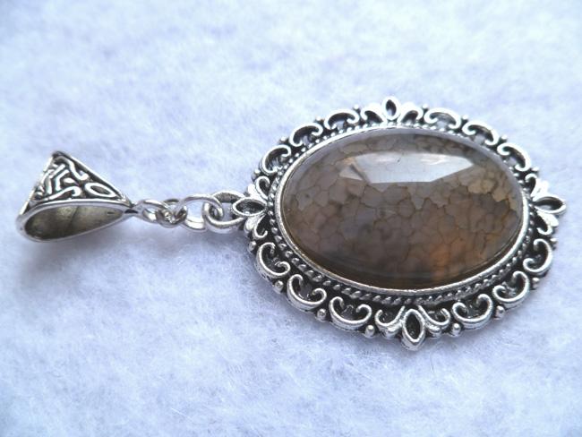 beige_dragon_egg_necklace_daenerys_khaleesi_game_thrones_fantasy_elven_necklaces_6.JPG