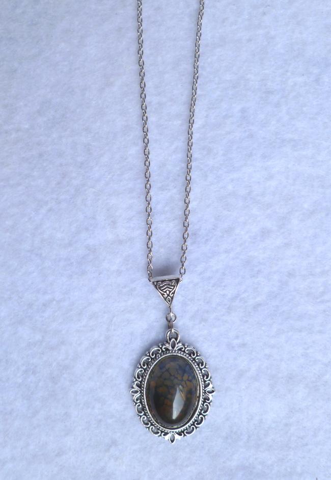 beige_dragon_egg_necklace_daenerys_khaleesi_game_thrones_fantasy_elven_necklaces_4.JPG