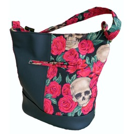 Skulls Bed Red Roses Bonnie Bucket Bag