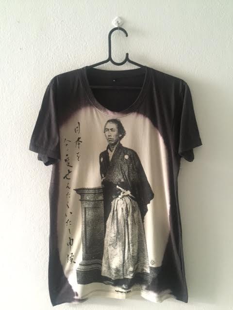 samurai_flighting_pop_rock_fashion_t_shirt_m_t_shirts_2.jpg