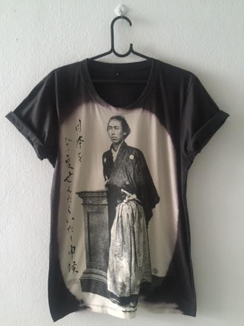samurai_flighting_pop_rock_fashion_t_shirt_m_t_shirts_4.jpg
