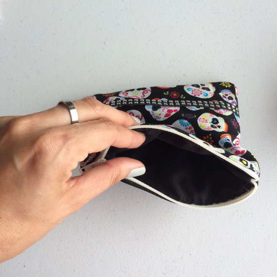 skulls_and_colors_pouch_purses_and_handbags_2.jpg