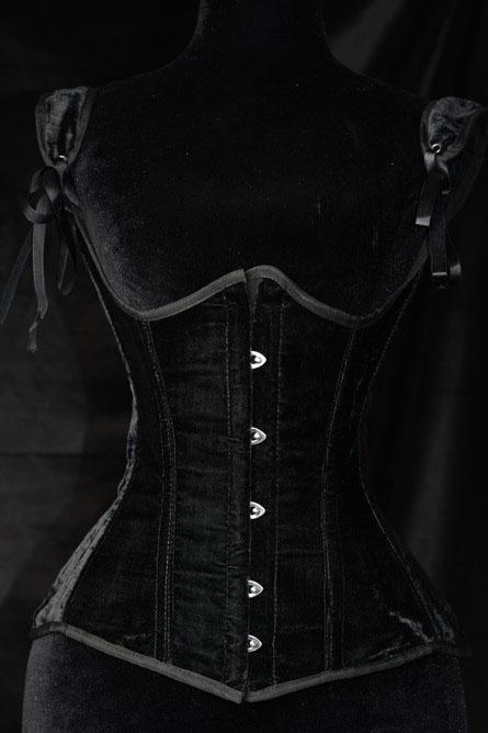 steel_boned_black_velvet_princess_underbust_corset_bustiers_and_corsets_2.jpg