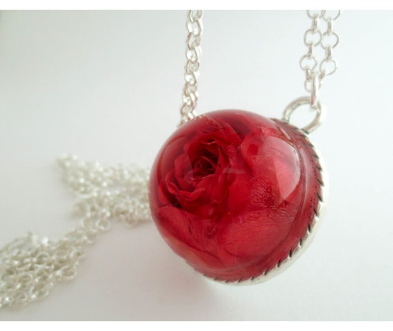 real_red_rose_necklace_real_flower_pendant_botanical_jewelry_necklaces_3.jpg