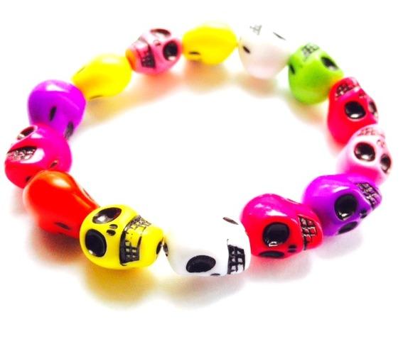 fun_rainbow_colourful_elasticated_plastic_skull_head_bracelet_bracelets_2.jpg