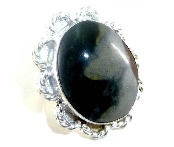 unique_oval_shape_mookalite_ring_size_7_n_rings_2.jpg