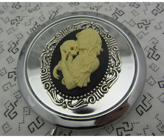 compact_mirror_zombie_skull_comes_protective_pouch_makeup_4.jpg