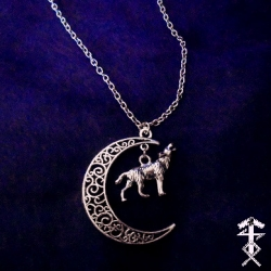 howling_wolf_necklace_necklaces_2.jpg