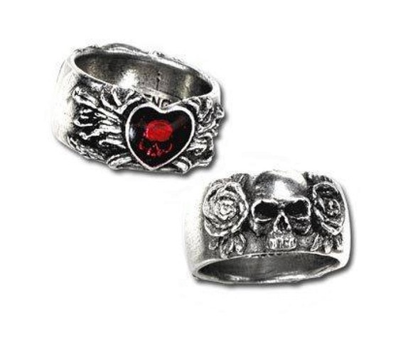 broken_heart_gothic_ring_by_alchemy_gothic_rings_2.jpg