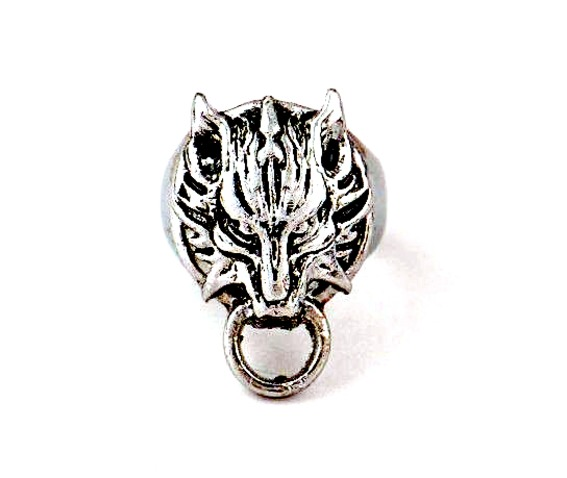 striking_sliver_metal_wolf_head_with_ring_design_ring_rings_2.jpg