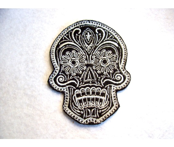 embroidered_ornate_fancy_skull_patch_iron_sew_on_day_of_the_dead_skull_patches_3.jpg
