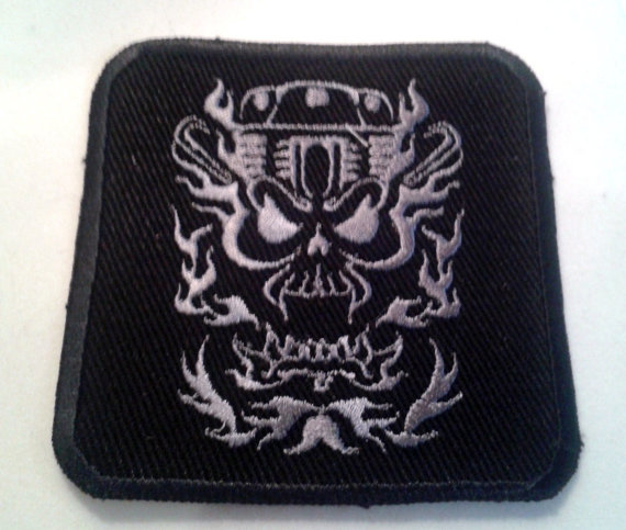 embroidered_motorcycle_engine_skull_patch_badge_iron_sew_on_patches_2.jpg
