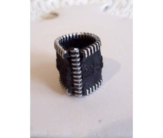 handmade_black_and_silver_zipper_ring_with_zipper_pull_focal_point_rings_5.jpg