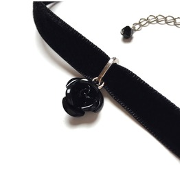Metal Rose Velvet Choker Black