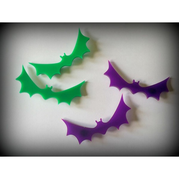 green_bat_hair_clips_curiology__necklaces_3.jpg