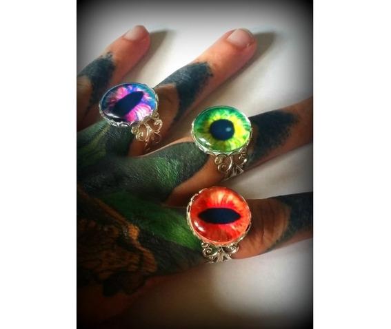 green_dragon_eye_ring_curiology__necklaces_2.jpg
