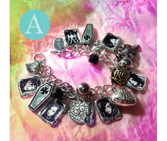 please_pick_the_style_which_you_like_every_pieces_are_unique_will_have_bracelets_2.jpg