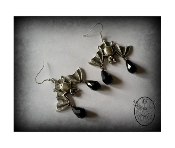 gothic_bat_earrings_curiology__necklaces_2.jpg