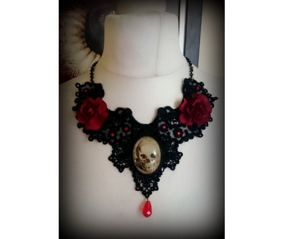 kiss_of_death_lace_necklace_curiology__necklaces_2.jpg