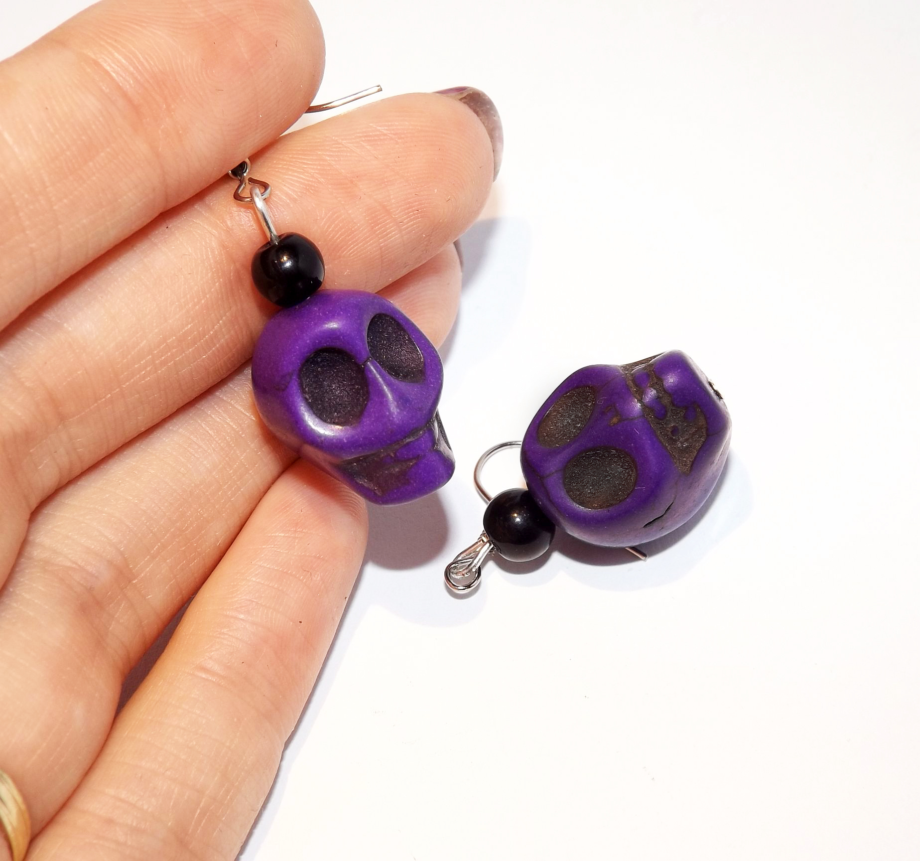 handmade_purple_howlite_skull_earrings_earrings_3.jpg