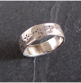 Unisex Sterling Silver Band With Cross Motif