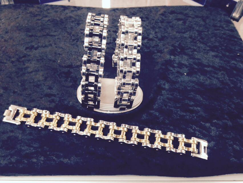 big_thick_and_heavy_stainless_steel_chainlink_bracelet_9_10_inch_long_only_bracelets_2.jpg