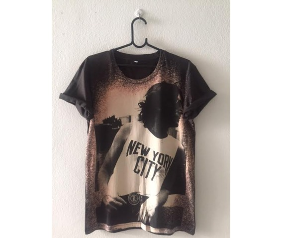 john_lennon_fashion_pop_rock_t_shirt_m_standard_tops_3.jpg