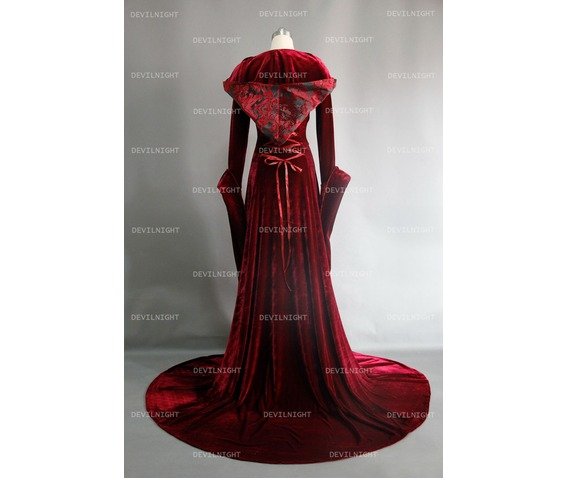 red_velvet_gothic_hooded_medieval_dress_dresses_4.jpg