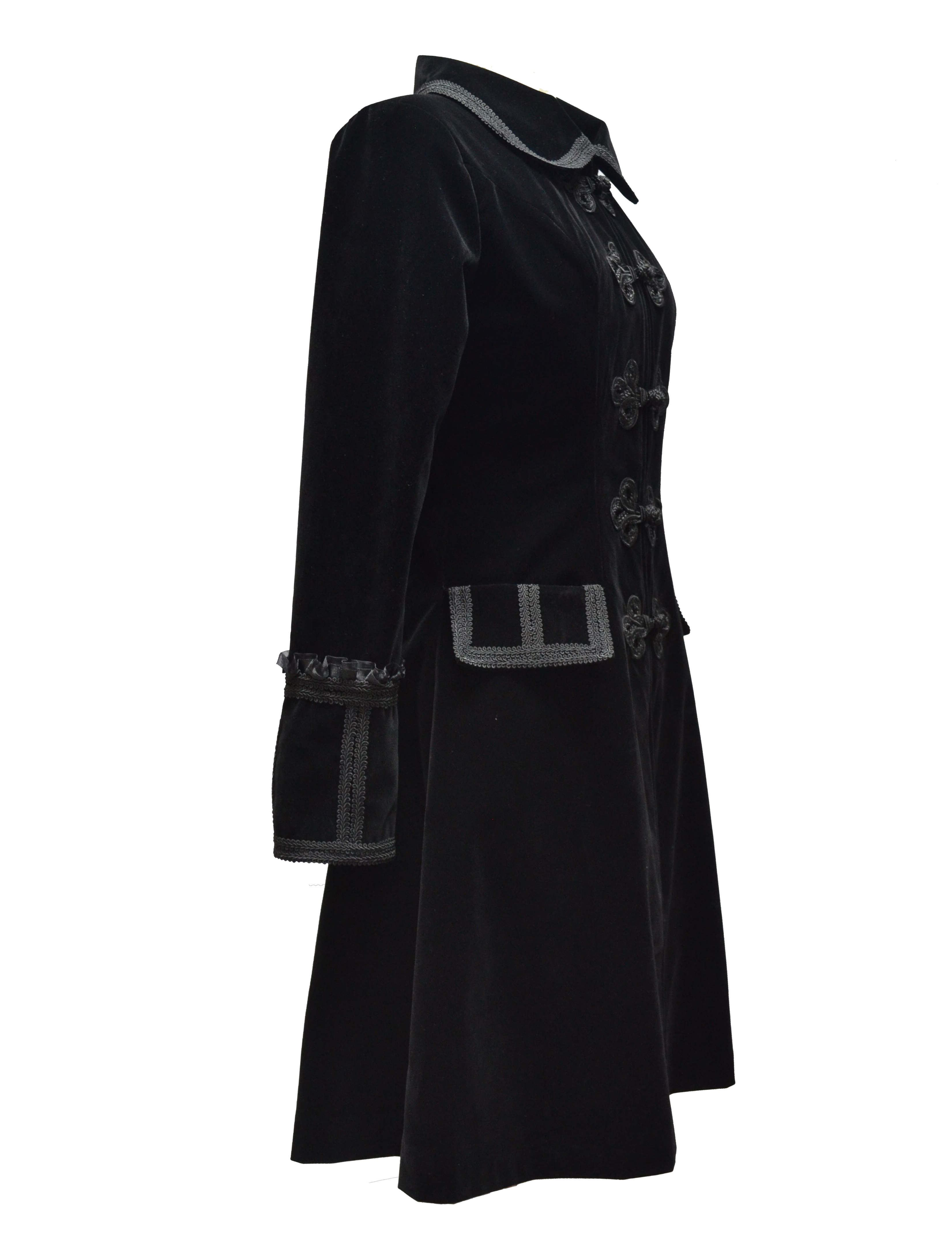black_chinese_style_gothic_long_coat_for_women_coats_4.jpg