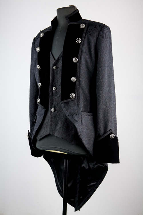 black_pattern_double_breasted_tuxedo_style_gothic_jacket_for_men_jackets_5.jpg