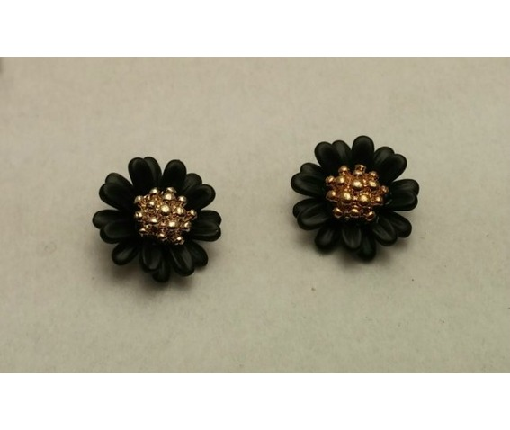black_daisy_earrings_earrings_2.jpg