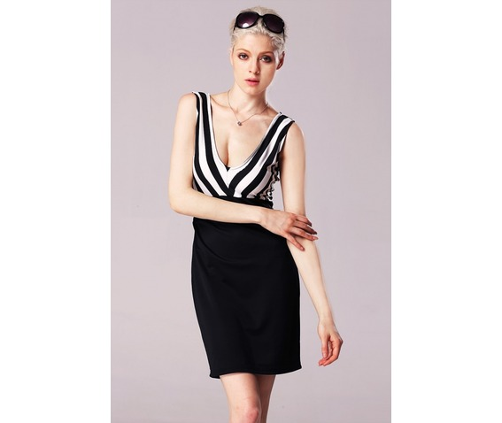 sexy_deep_neck_line_black_and_white_striped_dress_dresses_6.jpg