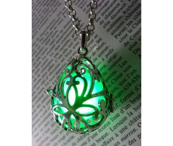 fairy_punk_jewelry_necklace_drop_locket_with_green_glowing_orb_pendants_5.jpg