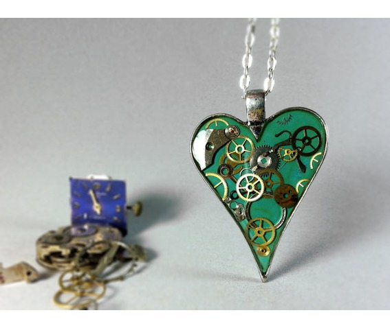 love_pendant_resin_heart_necklace_steampunk_resin_jewelry_eco_resin_necklaces_6.jpg