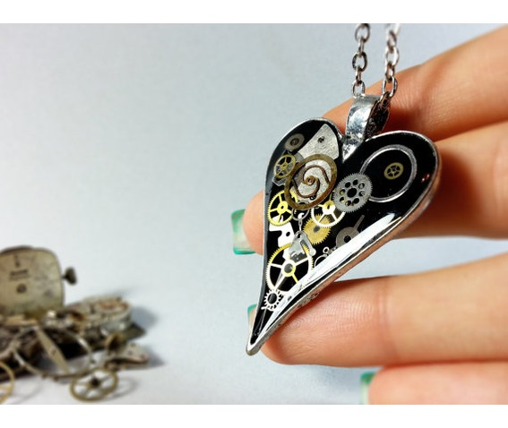 black_steampunk_heart_pendant_heart_steampunk_necklace_eco_friendly_resin_necklaces_6.jpg